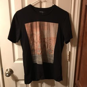 CALVIN KLEIN T-SHIRT NEVER WORN SIZE SMALL